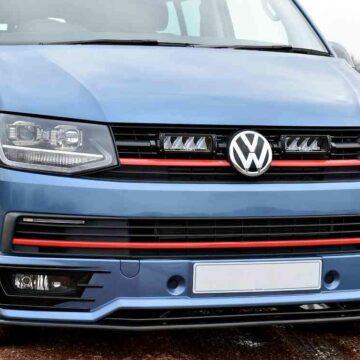 VW TRANSPORTER T6 – Kit do mřížky pro světlomety