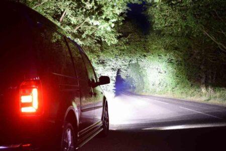 VW CADDY (2015+) – Sada pro světlení do mřížky chladiče