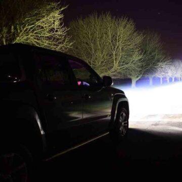 VW AMAROK V6 (2016+) – Kit do mřížky pro světlomety