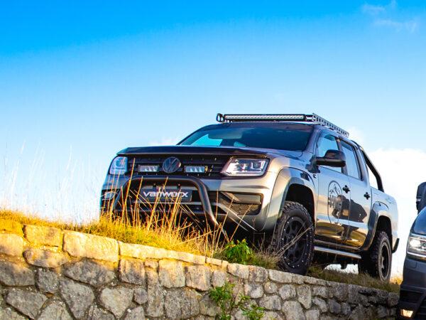 VW AMAROK V6 (2016+) – Sada pro osvětelní do mřížky chladiče