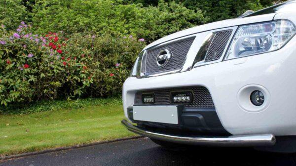 Nissan Navara (2014+) – Sada pro osvětlení do spodní mřížky chladiče