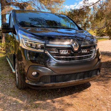 Renault Trafic (2019+) - kit do mřížky pro světlomety