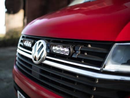 VW TRANSPORTER T6.1 – Sada pro osvětelní do mřížky chladiče