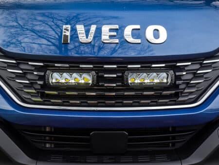 Iveco Daily (2019+) – sada pro osvětelní do mřížky chladiče