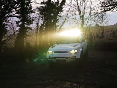 Land Rover Defender (2020+) sada pro montáž světlometů na střechu