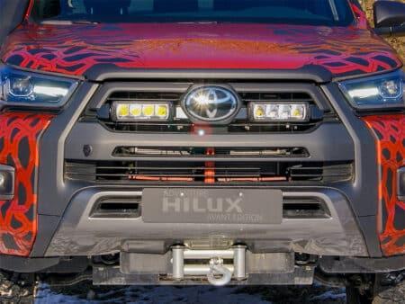 Toyota Hilux Invincible-X (2021+) – Sada do mřížky chladiče